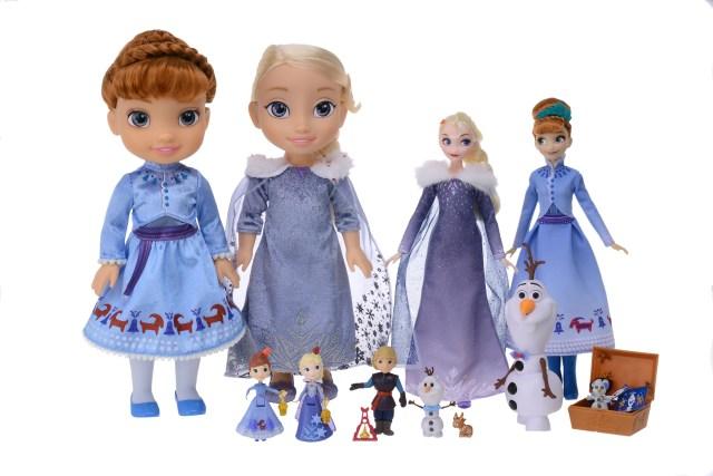 アナ雪の新作に合わせてNEW衣装を身に着けたアナとエルサの人形が登場!! ピクサー最新映画『リメンバー・ミー』のグッズもあるよ