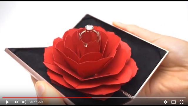 【ときめく】お花の中から「指輪」が出てきた~! サプライズプロポーズにぴったりなリングケース