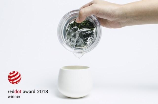 究極のシンプルデザイン「透明急須」がすごい! 割れない・熱くない・かさばらないを実現し世界最高峰のデザイン賞を受賞
