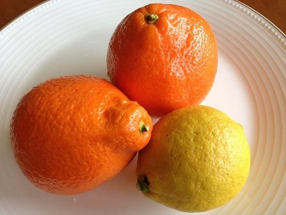 【マンネリ打破】4月14日はカップルが愛を深める「オレンジデー」♡ オレンジやオレンジ色のものをプレゼントしあうんだって