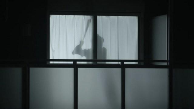 """レオパレスの一人暮らし女性向け """"人影を使った防犯対策"""" が海外で話題に! 「犯罪者に知られたら逆にターゲットになりそう」という声も"""