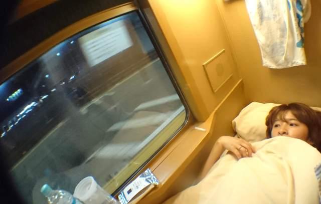 女ひとり寝台列車の旅をしてみたら…全てが刺激的! 揺れまくるシャワー室、起きたらオジサンと目が合う、ラウンジでの出会いなど濃すぎる12時間でした