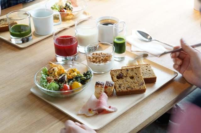【羨ましい】これが社食!? 建築事務所が手がけた社食&レストラン「2343」の朝食ビュッフェが健康的で美味しそうなのです♡