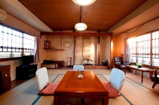 「女性の一人旅に人気のレジャー宿ランキング」はここ! お伊勢参りや長崎観光におすすめの宿が紹介されてるよ〜