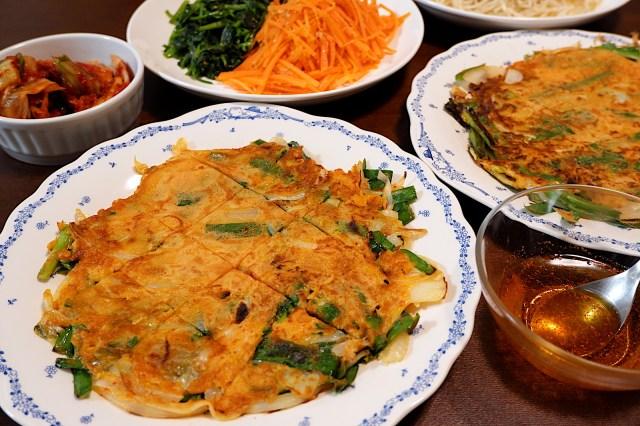【雑学】韓国では雨が降るとチヂミが食べたくなる! その由来は「雨の音とチヂミを焼く音が似ている」「チヂミ紳士という曲が影響している」など