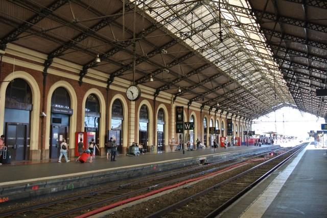 【神対応】パリの電車内で赤ちゃんが緊急出産 → 鉄道会社「幸福な50分間だった」とコメントし25歳まで無料で電車に乗れる権利をプレゼント