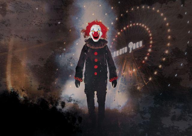 【ガチ怖】ひらかたパークのホラーイベントがヤバさしか感じられない!! 殺人ピエロが徘徊する夜の園内で謎解き