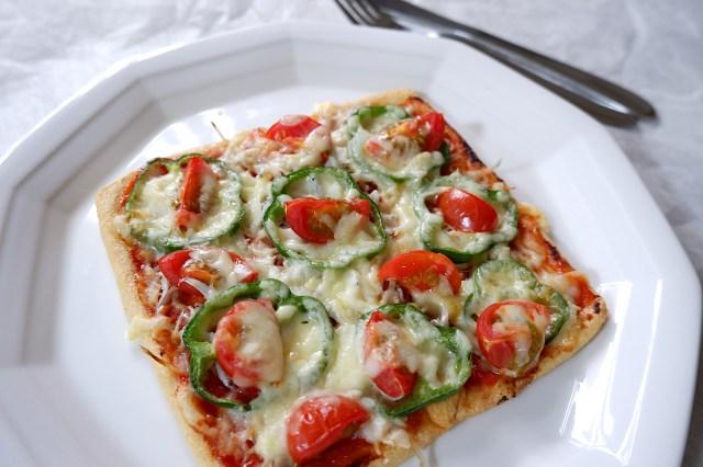ダイエット中でもピザが食べられる! アサヒビール公式レシピ「油揚げピザ」がめちゃんこ美味しいうえに低カロリーだよおおおお