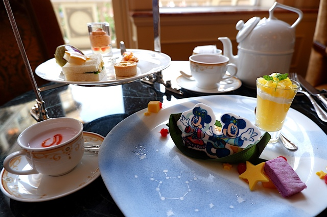 【ディズニー七夕デイズ】ミッキー&ミニーが織姫と彦星になった「アフタヌーンティー」が超豪華♪ お皿のデザインにも注目です
