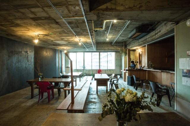 20年以上廃墟だった銭湯がカフェ&劇場に!「北千住 BUoY(ブイ)」は唯一無二の異空間を体験できます