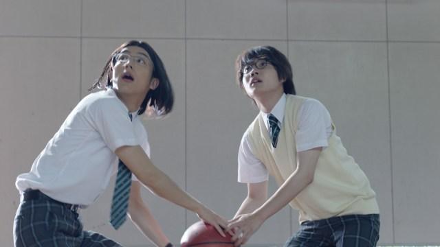 【auCM】中川大志演じる細杉(こますぎ)くんのキャラがクセになると話題に! 「うますぎて演技に見えない」と絶賛されています