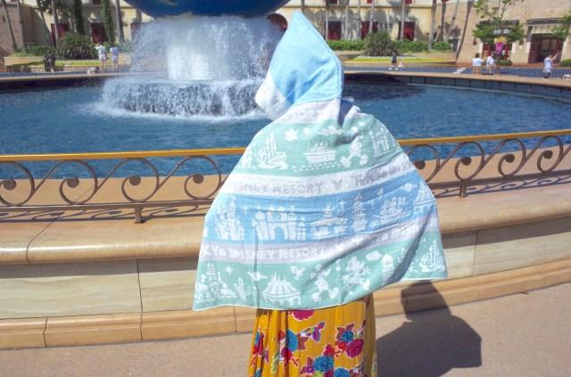 【猛暑&びしょ濡れ対策】真夏のディズニーには「タオル付きフード」のコレが超絶オススメ!! UVカット&ひんやり素材が使われています
