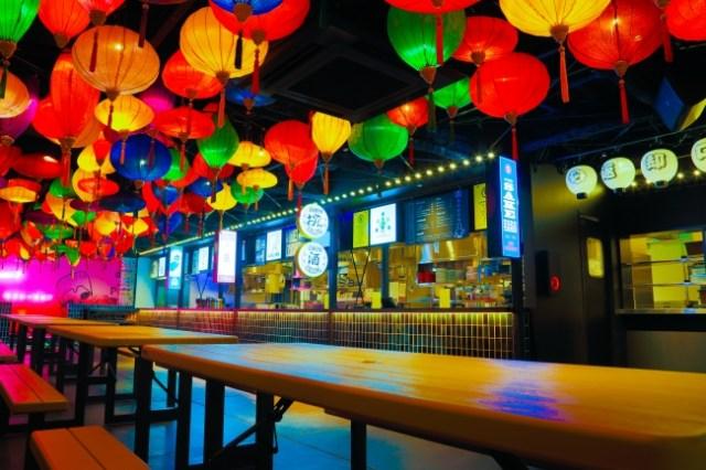 アジアの屋台村みたいな「サナギ新宿」で飲み放題&食べ放題イベント開催! 夏祭りをイメージした料理やお祭り遊びを楽しんで♪