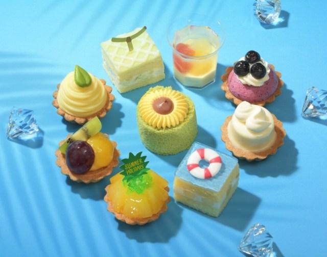 コージーコーナーのプチケーキが「夏休み」ムード満点! 入道雲、ひまわり、プール、パイナップル…どれも可愛すぎて選べませんっ