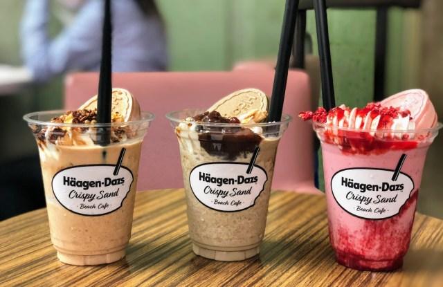 """話題のハーゲンダッツ """"飲むクリスピーサンド"""" が味わえる期間限定カフェが表参道にオープン! シェイクに溶け込んだウエハースの香ばしさが絶品です"""