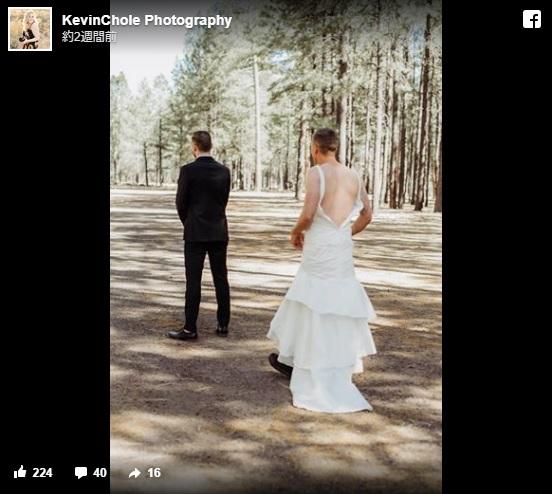 【ドッキリ大成功】結婚式、新婦のドレス姿を見ようと振り向いた新郎。しかしそこにいたのは…!?