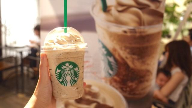 【今だけ】スタバの幻のドリンク「コーヒー&クリームフラペチーノwithコーヒークリームスワール」を飲めるお店が急増中だよ! 見かけたら絶対飲むべし!!