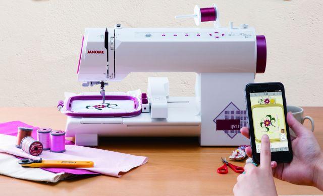 ぶきっちょさんでも刺繍ができる! 刺しゅう専用「スマートミシン」がスマホで画像を選ぶだけと簡単便利な予感