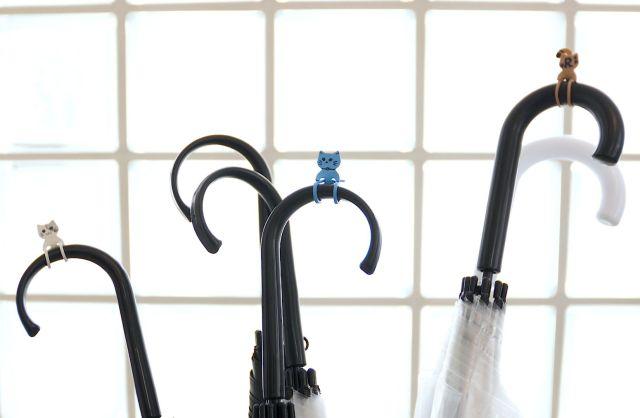 【傘の盗難防止に】ネコの形のゴム製傘マーカー「Qutto(きゅっと)」が便利でかわいい♪ 自分で自由にお顔が描けるよ