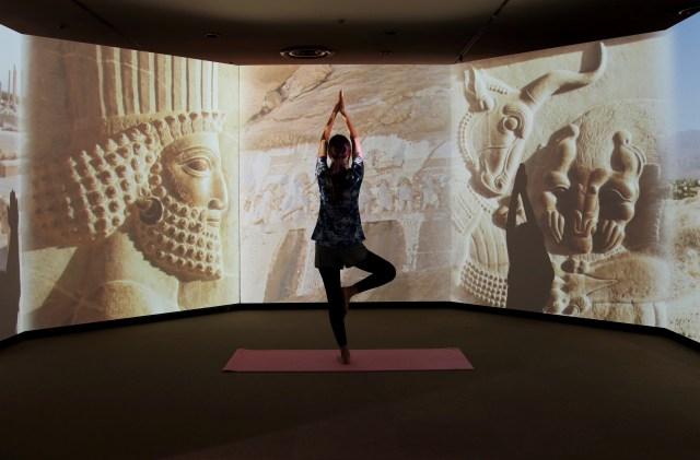 【神秘的】アロマの香りただよう夜の博物館でヨガレッスン! 特別展の観覧や民族衣装での撮影もできちゃいます☆