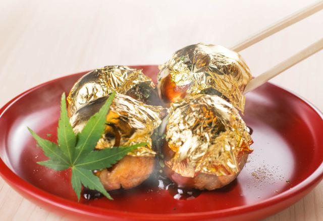 【縁起イイ〜】金箔に包まれた金沢のたこ焼き「金の多幸焼」がまぶしいっ!! 食べればたちまち幸運がやってきそう!