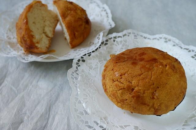 香港でメロンパンに超そっくりな菓子パン発見!! その名も「パイナップルパン」…じわじわ人気を広げつつあるようです