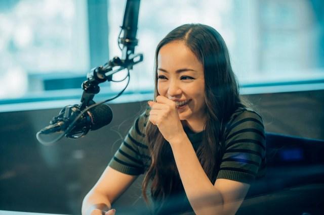 安室奈美恵さんが引退直前ラジオ番組を収録! キュートな取り下ろし写真に放送が待ち遠しくなりますっ!!