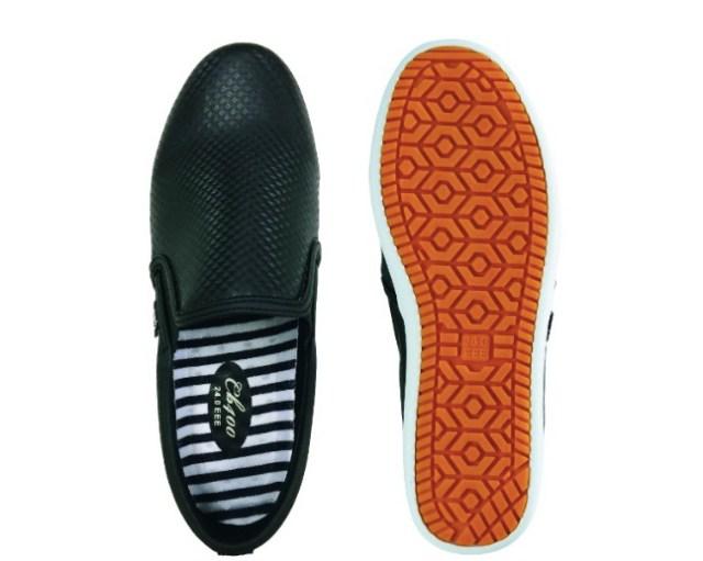 【欲しい】ワークマンの「滑らない靴」がママたちに超人気! 水に強くて滑らないうえに、脱ぎ履きしやすいのが特徴だよ