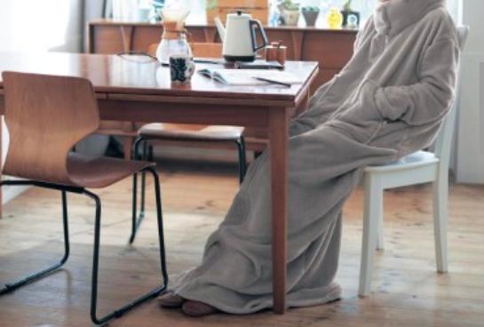 【Pouch防災部】ベルメゾンで買える「日常でも使える防災アイテム」を教えてもらったよ! 歩ける毛布やホイップライトなど全6つ