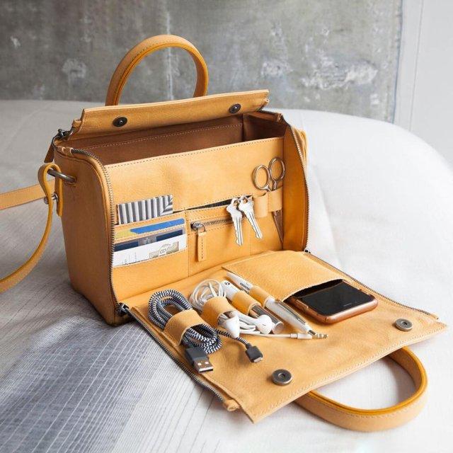 バッグの中がゴチャゴチャしちゃう女子必見の「収納が神レベルなバッグ」が話題に!シンプルなのにかゆい所に手が届きまくりです