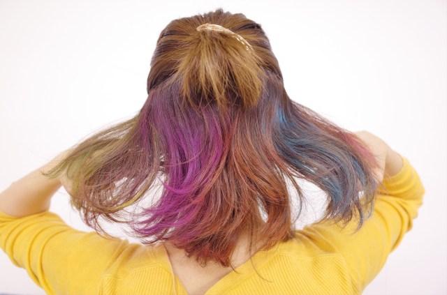 【100均】セリアの「カラーヘアチョーク」がマジで使える!! 発色も良くて手軽でハロウィンにもフェスにも最高ですぞ★