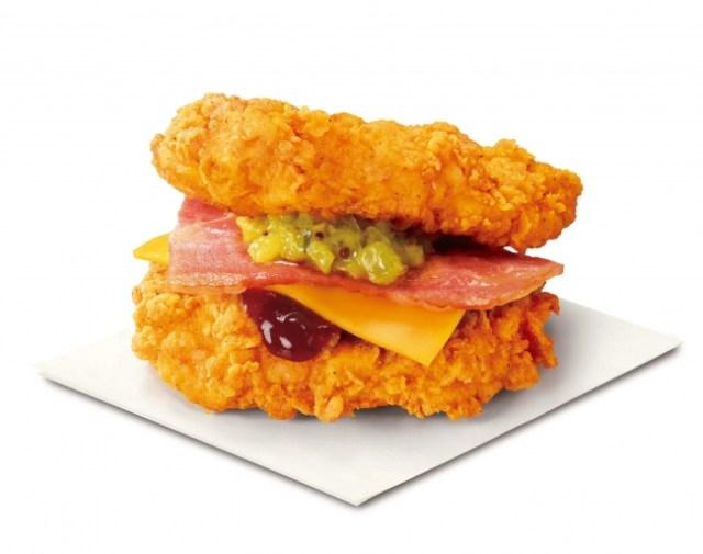 """「恐ろしい食べ物」と話題! ケンタッキーに """"肉で肉を挟む"""" 「ザ・ダブル」バーガーが帰ってきたよぉおお!"""