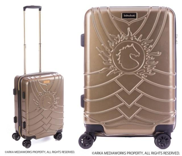 まさかの『バーフバリ 王の凱旋』キャリーケースが登場! 戦士の甲冑をイメージしたデザインで見た瞬間に王を讃えたくなります!!