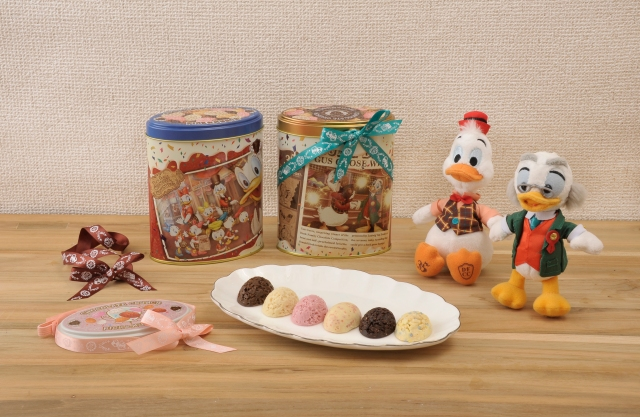 【35周年限定】ディズニーで大人気の「チョコレートクランチ」に新味&グッズが登場だよ!