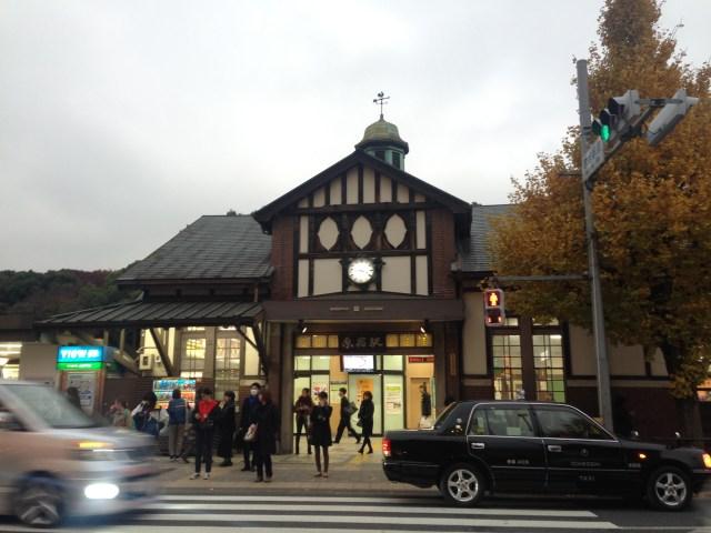 【気をつけて】明治神宮に初もうでに行く人は注意! JR原宿駅の臨時ホームが今年は使えません