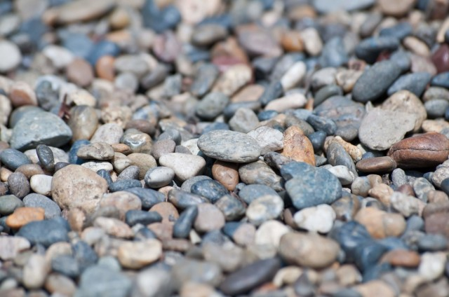 【石に願いを】1月4日は「石の日」! 願いがかけられた石に触れると願いが叶うんだって