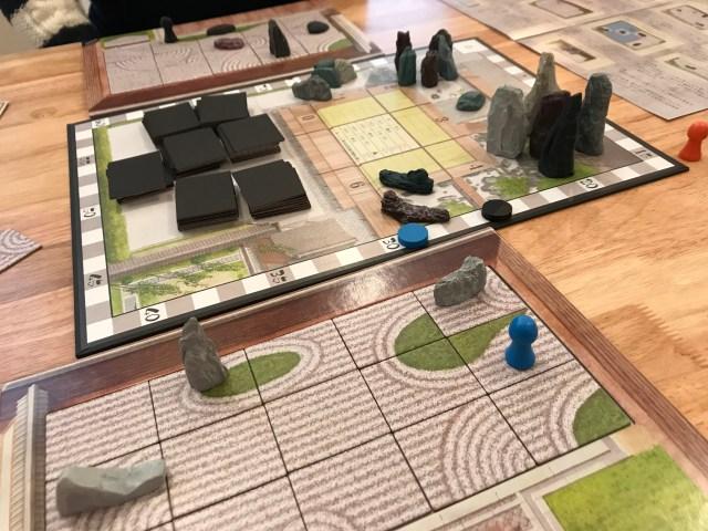 ひとりぼっちで「ボードゲームカフェ」に行ってみた!  自分だけの庭園を作る謎の激渋ゲーム「枯山水」など奥深いその世界に没頭…