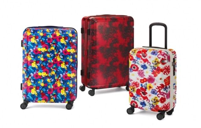 蜷川実花のブランドが手がけるスーツケースが華やか~! 花咲き乱れるデザインで春にピッタリなんです