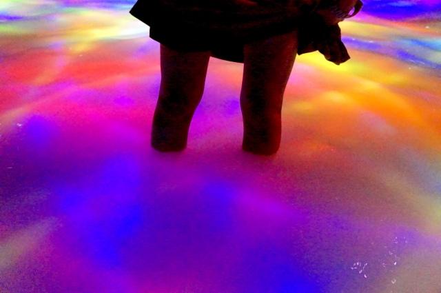 【濡れる】新豊洲の「チームラボ プラネッツ TOKYO」で混雑を避ける時間&オススメの服装をご紹介するよ★