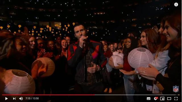マルーン5がスーパーボウルのハーフタイムショーに登場! ヒット曲満載のステージがYouTubeで公開されてるよ!!