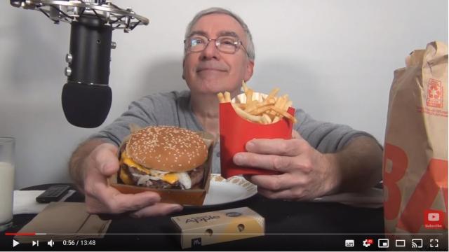 「食事+おじいちゃんのささやき声」ASMR動画が流行ってるらしい!? 見れば見るほどクセにな……る?