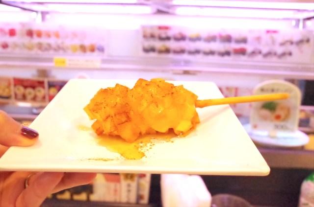 【超朗報】かっぱ寿司が「チーズハットク」を数量限定発売しているよ! 肝心のチーズもトローーーーッと伸びますぞっ