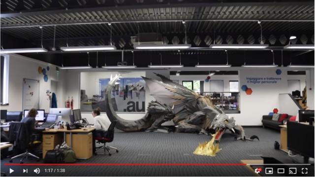 【現実】ウソみたいだが、出社したら13mの巨大なドラゴンがいるーー! ボスのサプライズでした★