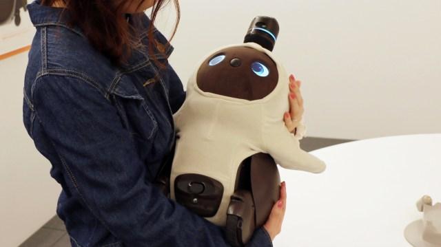 【嫉妬もします】かわいいだけで役に立たないロボット「LOVOT」に会ってきたよ! 子供のような愛おしさにアラサーの母性が爆発しました
