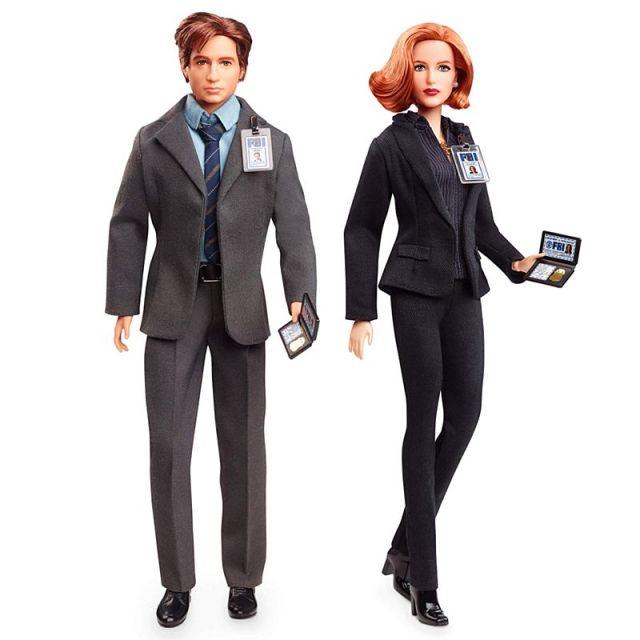 『X-ファイル』のモルダーとスカリーが超リアルなお人形に! マテル製だけあってこだわりがハンパないんです