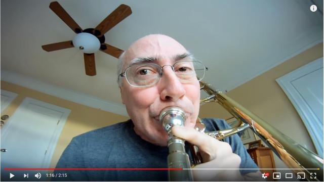 「なぜそこにカメラつけた」トロンボーンを演奏するおじさんの動画が大人気 → 実は6年前からファンを増やし続けています!