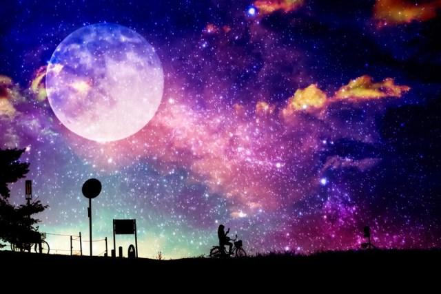 本日4月19日は平成最後の満月「ピンクムーン」だよ! 眺めるだけで「恋愛運が上がる」「幸せになれる」なんてロマンティックな言い伝えがあるんです★