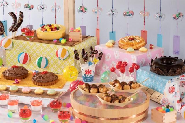 ヒルトン東京ベイのサマーデザートビュッフェのテーマは「夏祭り」! お好み焼きや焼きそばそっくりの変わり種スイーツに度肝を抜かれます