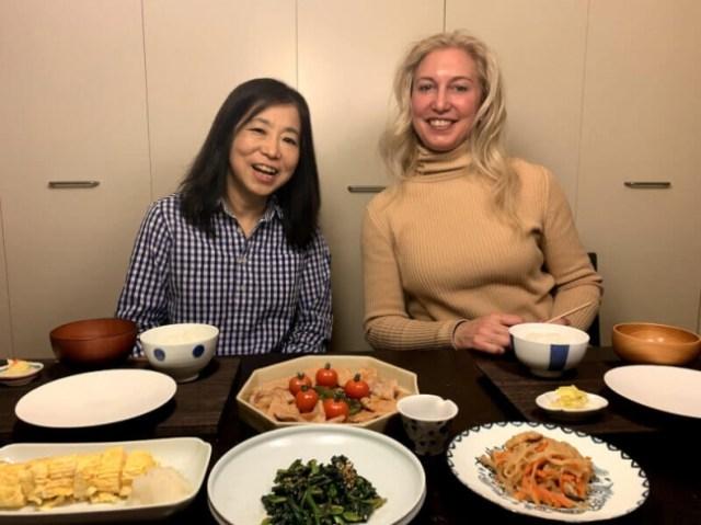 外国人観光客とおしゃべりや食事で交流できる。自宅で開く「家庭料理教室」サービスが人気です!