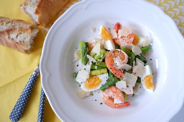 【簡単フランスごはん】20分で完成☆ 旬のアスパラ&とろ〜り半熟卵の極上フレンチサラダ